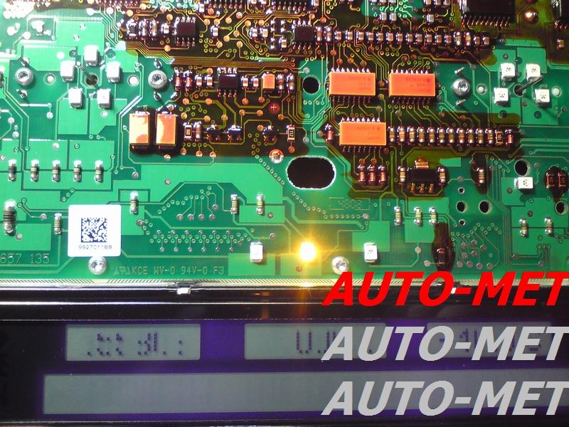 naprawa wyświetlaczy samochodowych